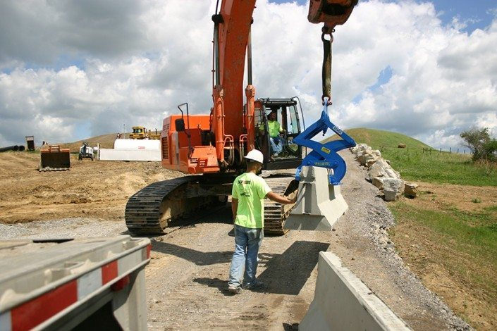 Aarcon Enterprises Moving Wall with the Kenco KL9000