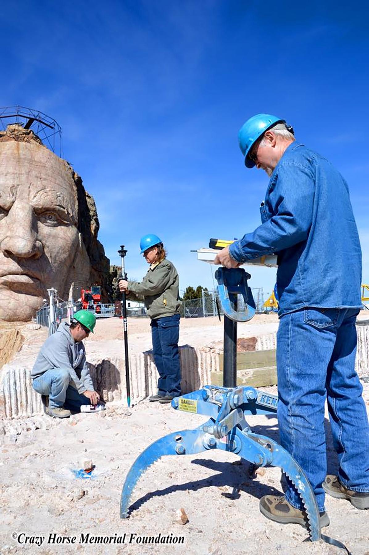 Closeup View of Kenco Rocklift atop Crazy Horse