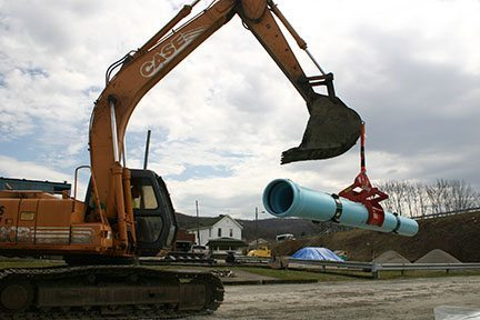 Pipe Lift Connected Using the RigMax