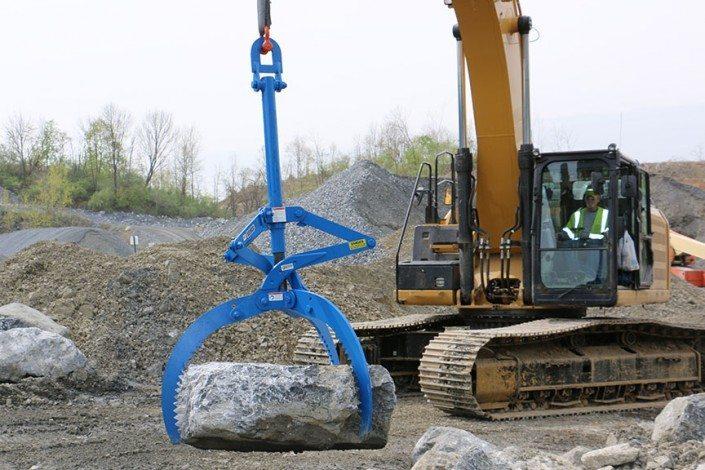 Kenco Rocklift Grabs Rock Tightly