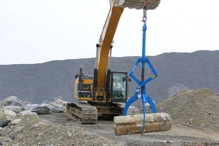 MG12000 Rocklift Moving Large Block