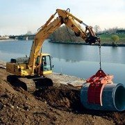 Excavator Moving Large Pipe with Kenco Pipe Lift